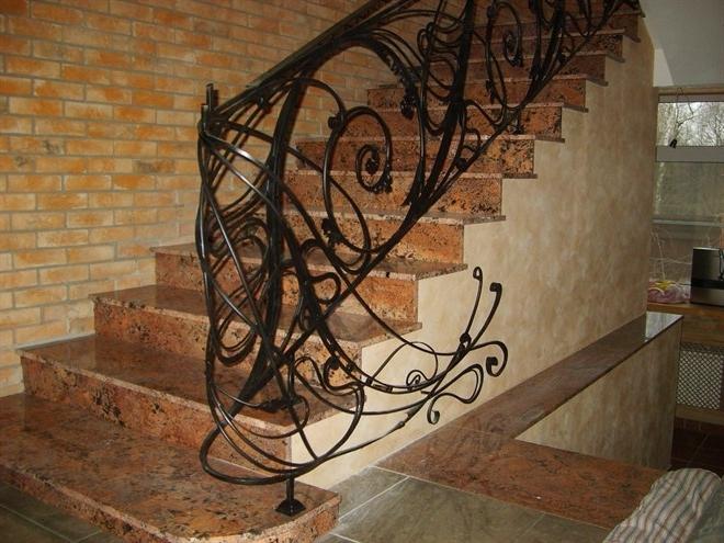 Кованые лестницы - украшение любого интерьера