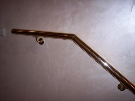 поворот поручня лестницы