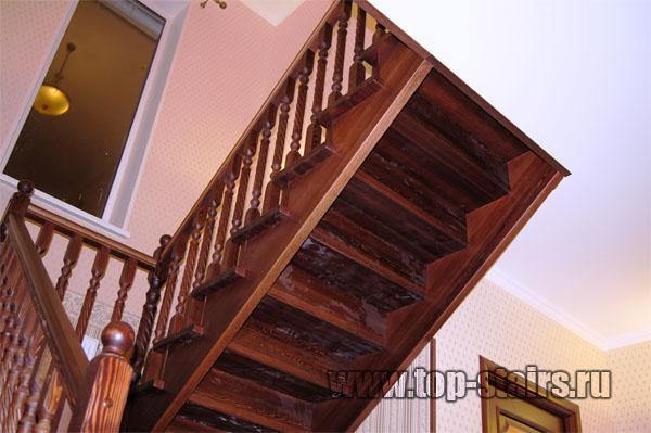 деревянная лестница из лиственницы 2