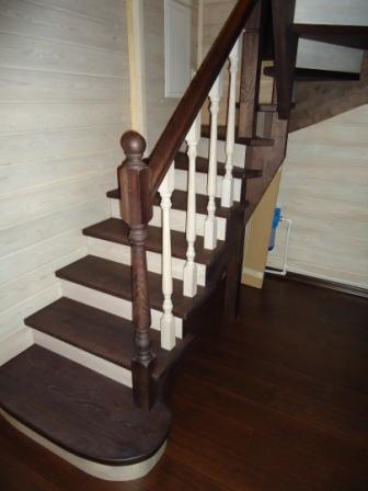 ограждения лестница с белыми балясинами